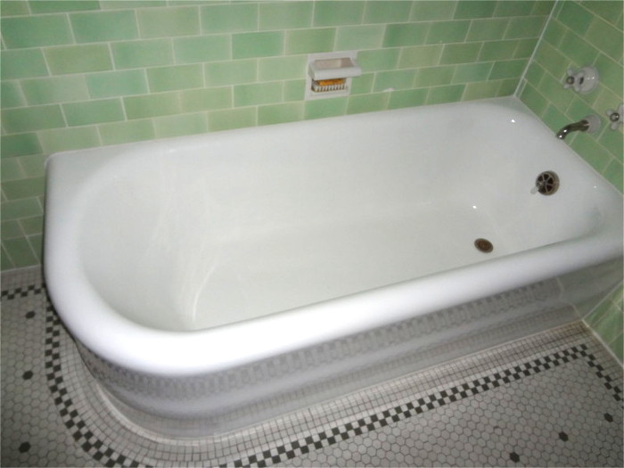 Refinished tax cast iron bathtub